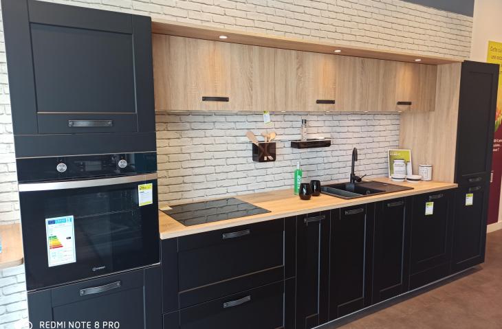 Nouvelle cuisine d'exposition Pila noir et chêne Bardolino !