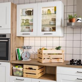 Cuisine campagne avec niche ouverte pour légumier