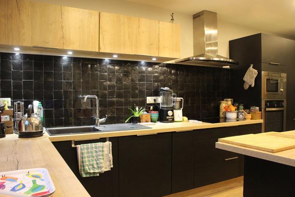 cuisine équipée noir et bois