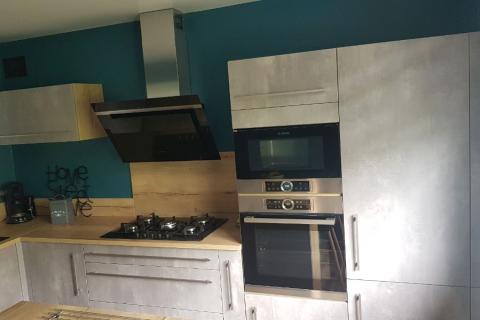 Cuisine effet béton et bois, une cuisine réalisée par SoCoo'c Rouen Tourville