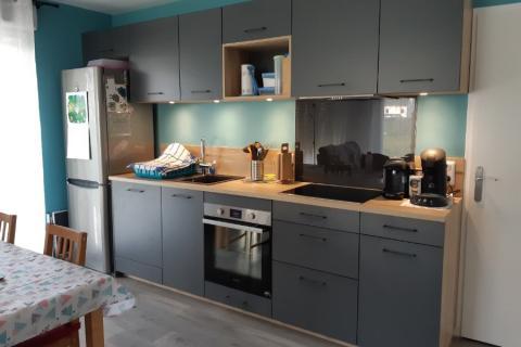 La cuisine gris et bois d'Arnaud