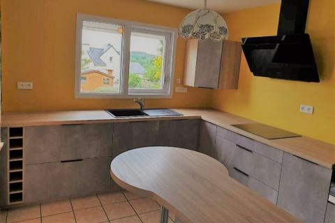 La cuisine bois et gris d'Yvannick et Maeva, une cuisine réalisée par SoCoo'c Redon