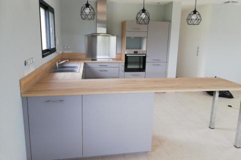 Une cuisine bois et gris