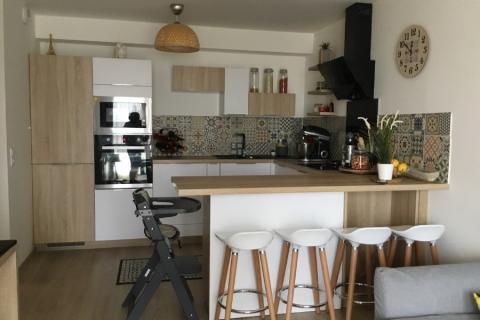 Cuisine nature blanche et bois, une cuisine réalisée par SoCoo'c Mantes Buchelay