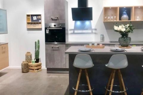 Les cuisines de notre showroom, une cuisine réalisée par SoCoo'c Saint André De Cubzac