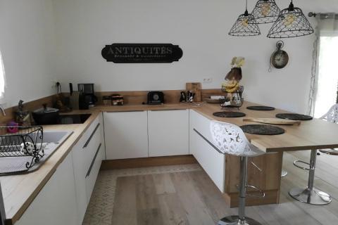 Cuisine contemporaine avec retour, une cuisine réalisée par SoCoo'c Dijon Quetigny