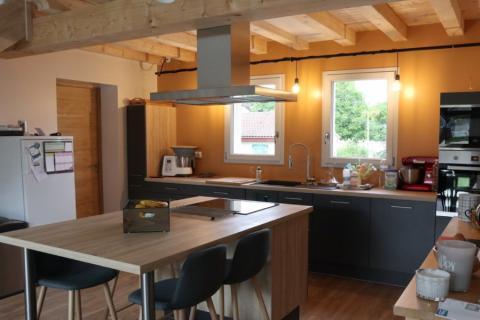 La cuisine grise de M. et Mme S. !, une cuisine réalisée par SoCoo'c Angoulême Soyaux