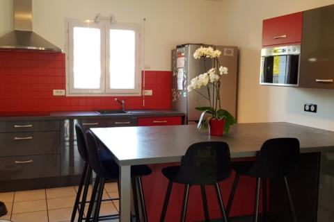 Cuisine rouge et gris inspiration Urban !, une cuisine réalisée par SoCoo'c Challans