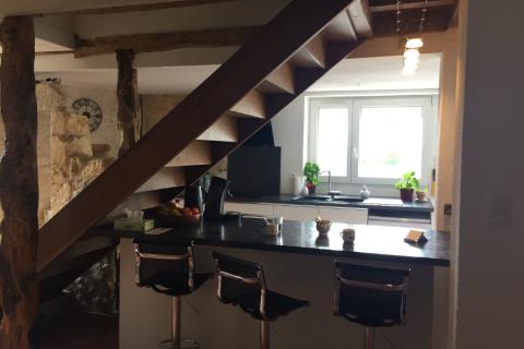Cuisine moderne dans maison rénovée, une cuisine réalisée par SoCoo'c Albi