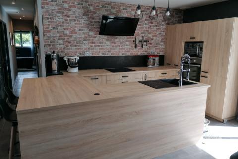 Total look bois, une cuisine réalisée par SoCoo'c Lisieux