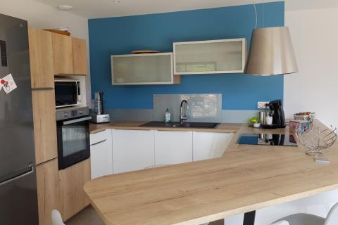 cuisine blanche et bois personnalisée, une cuisine réalisée par SoCoo'c Valence