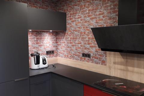 Magnifique cuisine avec plans pierre  Naturaplan!, une cuisine réalisée par SoCoo'c Montceau Les Mines