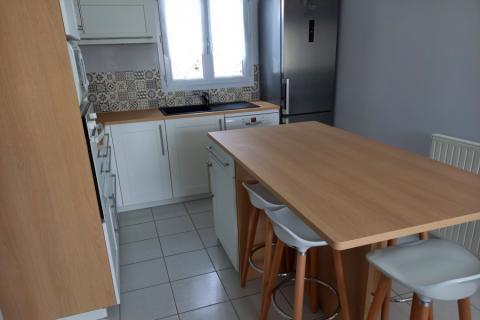 Cuisine Pila blanche et bois, une cuisine réalisée par SoCoo'c Tours