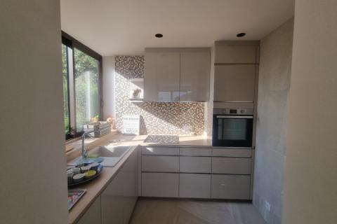 La cuisine équipée et meubles de salle de bain de Mr H, une cuisine réalisée par SoCoo'c Lannion
