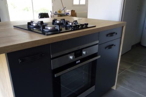 Cuisine industrielle avec poignées Facto , une cuisine réalisée par SoCoo'c Annonay Davezieux