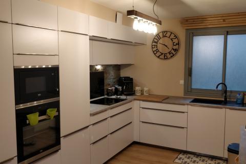 Cuisine blanche , une cuisine réalisée par SoCoo'c Gap