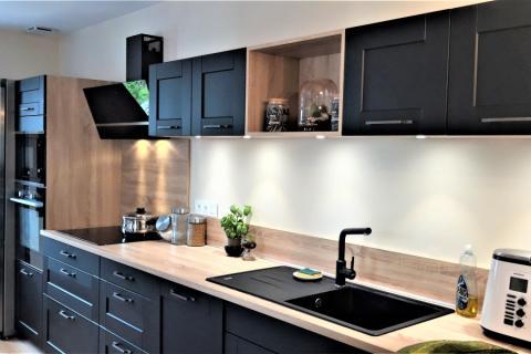 Cuisine noir mat et chêne bardolino, une cuisine réalisée par SoCoo'c Chambéry
