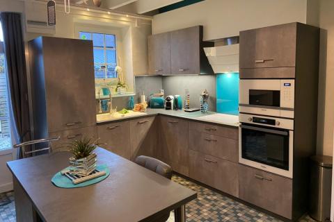 Une cuisine en cimento par Monsieur et Madame C!, une cuisine réalisée par SoCoo'c Saint Malo