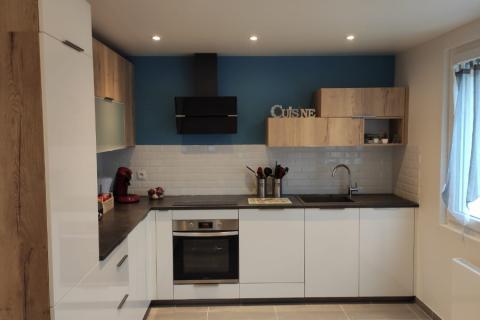 La cuisine de Laurence, inspirée du modèle MANHATTAN, une cuisine réalisée par SoCoo'c Paris République