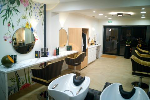Aménagement d'un salon de coiffure , une cuisine réalisée par SoCoo'c Lannion