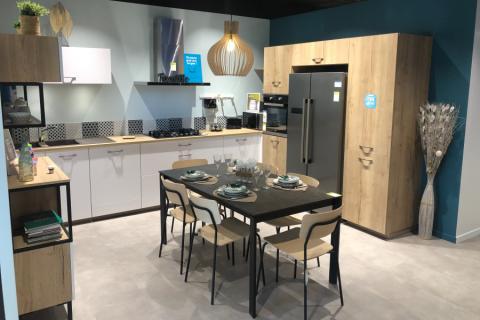 Nouveau magasin tout BEAU tout CHAUD !!!, une cuisine réalisée par SoCoo'c Royan