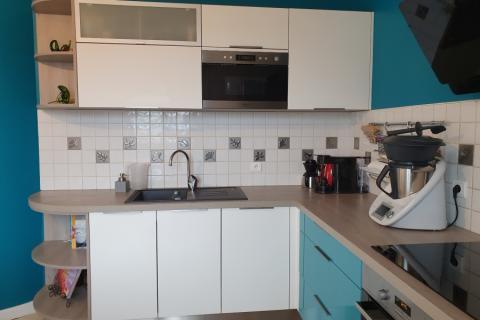 Jolie rénovation pour cette cuisine !, une cuisine réalisée par SoCoo'c Challans