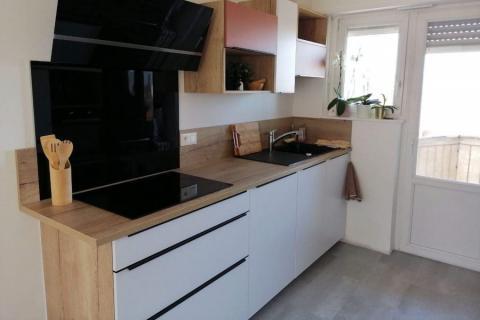 Cuisine blanc alaska mat, terra rosa et chêne vintage, une cuisine réalisée par SoCoo'c Mulhouse Wittenheim