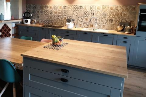Cuisine Pila grise et bois, une cuisine réalisée par SoCoo'c Langon