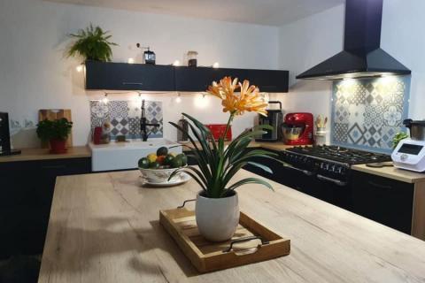 Une cuisine avec une extension parfaite, une cuisine réalisée par SoCoo'c Marquette Lez Lille