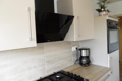 La cuisine blanche et bois de Denis, une cuisine réalisée par SoCoo'c Boulogne sur Mer