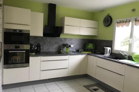 Cuisine Blanche et grise, une cuisine réalisée par SoCoo'c Rouen Tourville