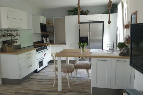 Cuisine Rustique et Moderne, une cuisine réalisée par SoCoo'c Nancy Fléville
