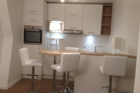 Double linéaire blanc et Bois chez Muriel!, une cuisine réalisée par SoCoo'c Paris République