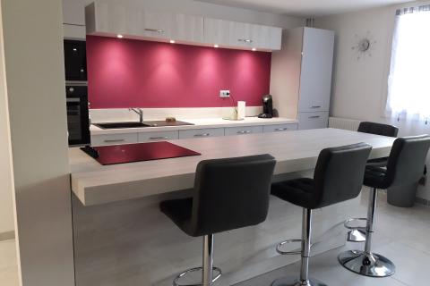 Une cuisine familiale et contemporaine, une cuisine réalisée par SoCoo'c Plan de Campagne
