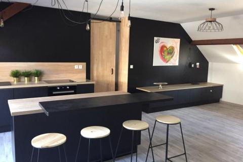 Une cuisine à la fois élégante et chaleureuse