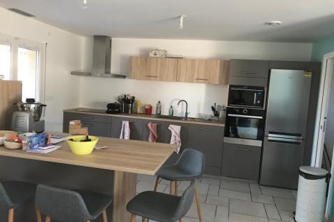 Une cuisine SoCoo'c avec nos meubles hauteur 83 cm !