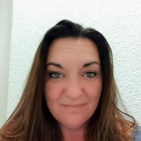 Sandra, Manager
