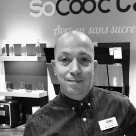 Nicolas, Manager